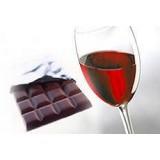 У красного вина и шоколада нашли новые полезные свойства